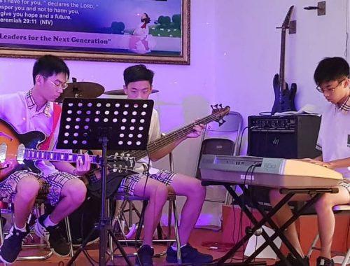 Chapel Music Band (2)